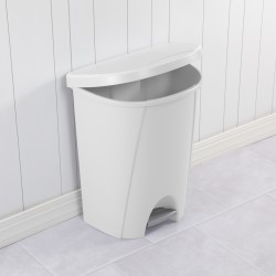 6.6 GALLON STEP-ON WASTEBASKET WHITE
